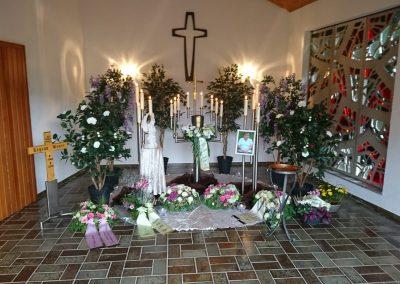 Dekoration für eine Trauerfeier